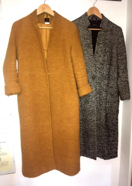 Musztardowy płaszcz dla Córy