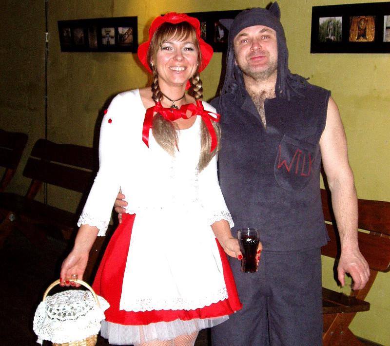Stroje Czerwonego Kapturka i Wilka dla dorosłych