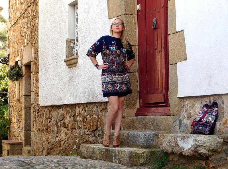 Sukienka w kolorach Costa Brava