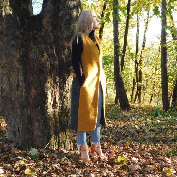 Długa jesienna kamizelka